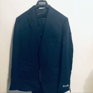 DKNY Suit 44 x 37 Slim Fit Wool Pinstriped Daspin